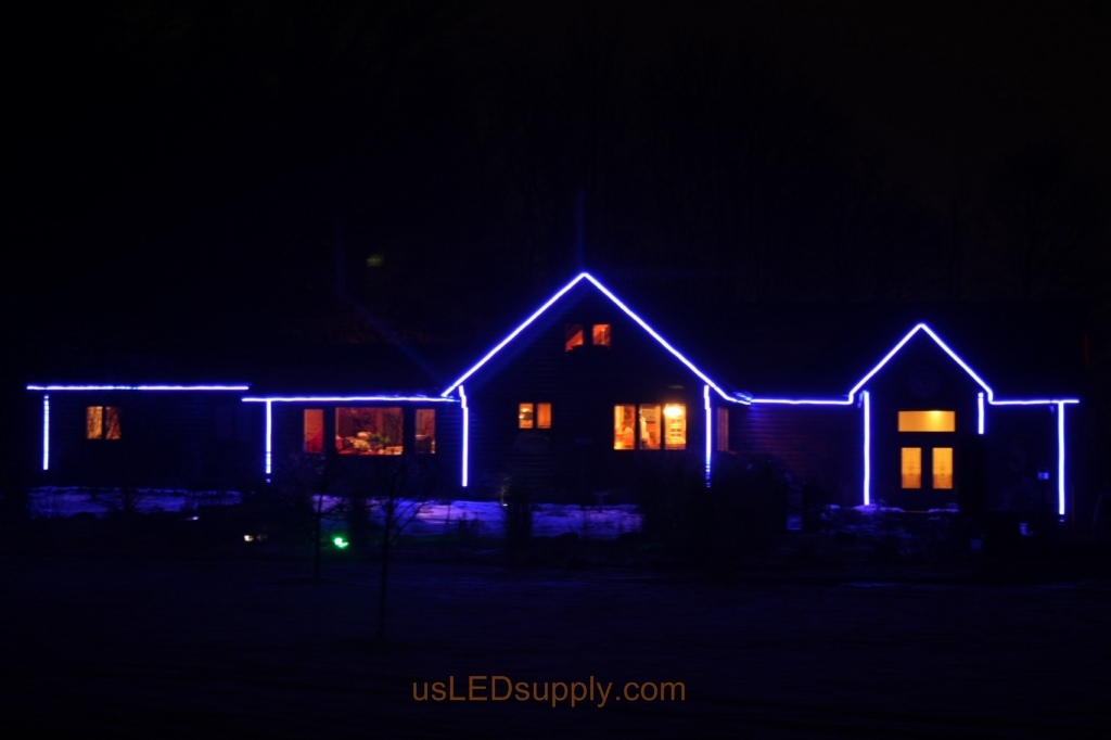 Bright setting for the LED House Outline uses 150 watts of power.