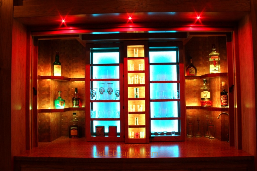Lake House Bar Combines Woodworking Craftmanship And Led Lighting Into A Work Of Art